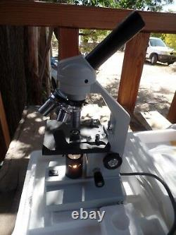Amscope M Series Biological Microscope with 4 objective lenses
